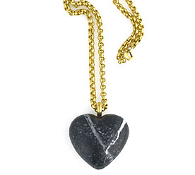 GoldChainNecklaceWithRiverStonePebble